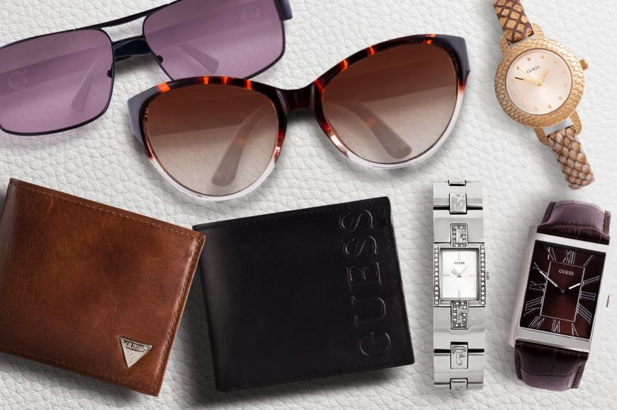 GUESS Accessories Sale