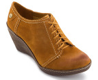 Clarks Women's Hazelnut Ice Shoe - Mustard Yellow 4