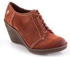 Clarks Women's Hazelnut Ice Shoe - Rust  1