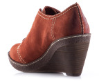 Clarks Women's Hazelnut Ice Shoe - Rust  3